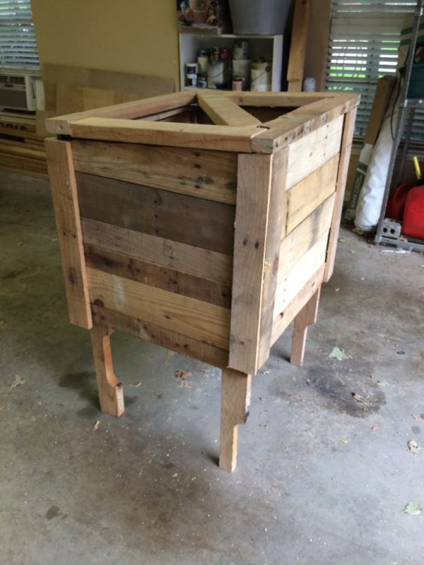 Build a Parcel Box from a Pallet