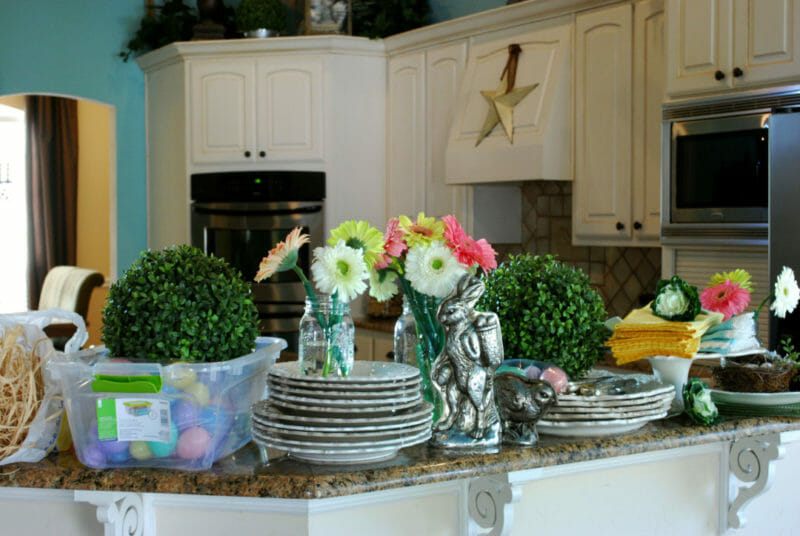 DIY styling of an Easter table