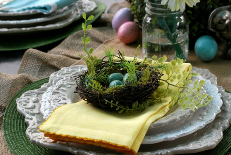 How to Style and decorate an Easter table