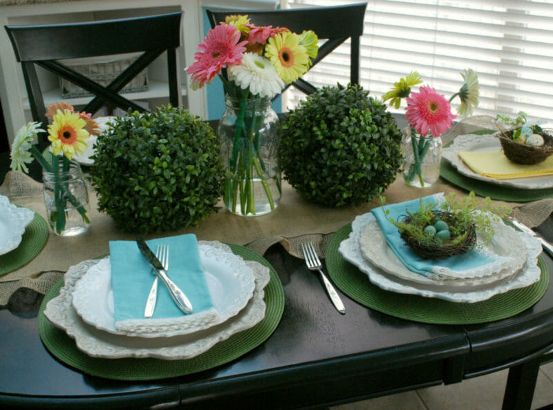 How to style an Easter table