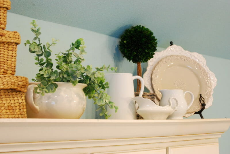 White dish decor