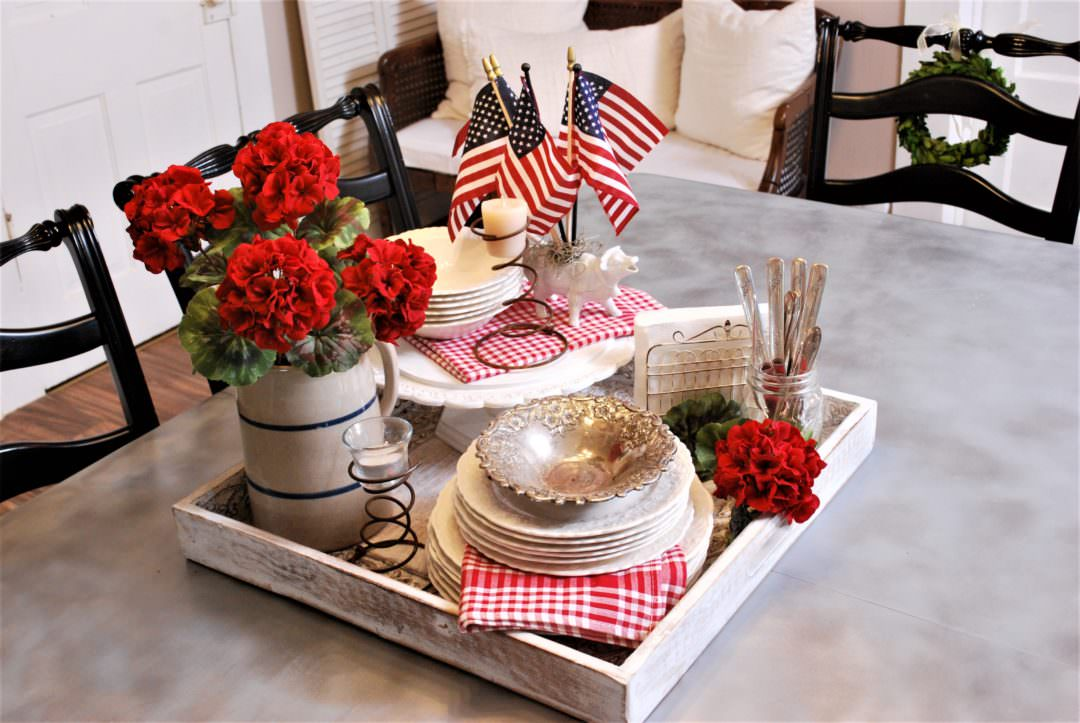 Patriotic al fresco ready tray ready for dining outside for a great July 4th table centerpiece