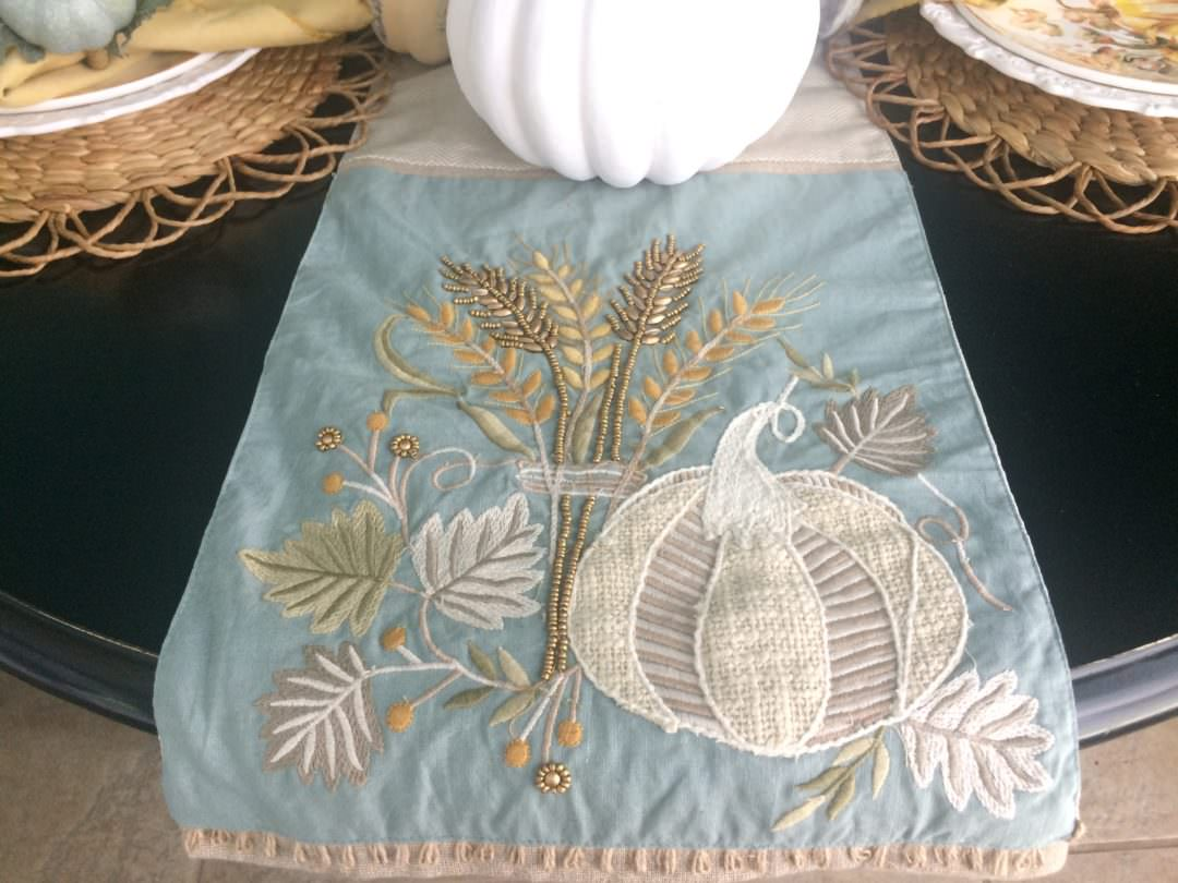 Merveilleux Casual Fall Tablescape Starting With A Table Runner From Pier 1 ...
