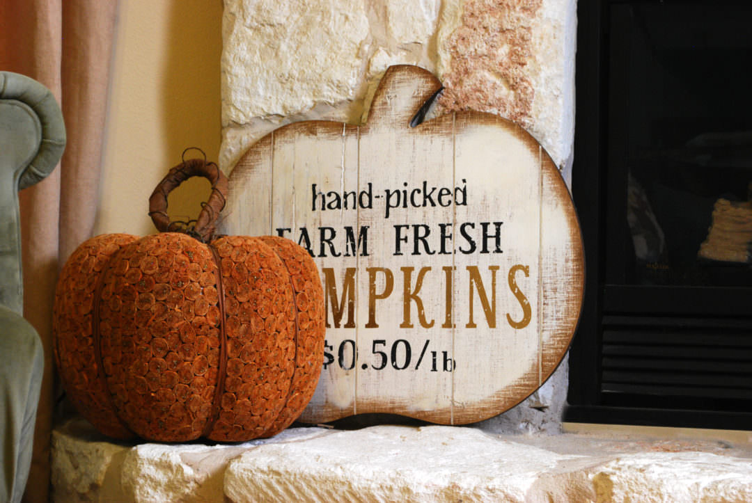 Pumpkin sign from Pier 1 for fall mantel decor from Countyroad407.com