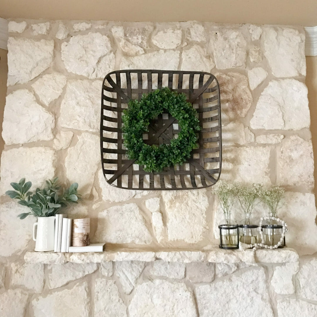 a spring mantel for the winter blues found on CountyRoad407.com