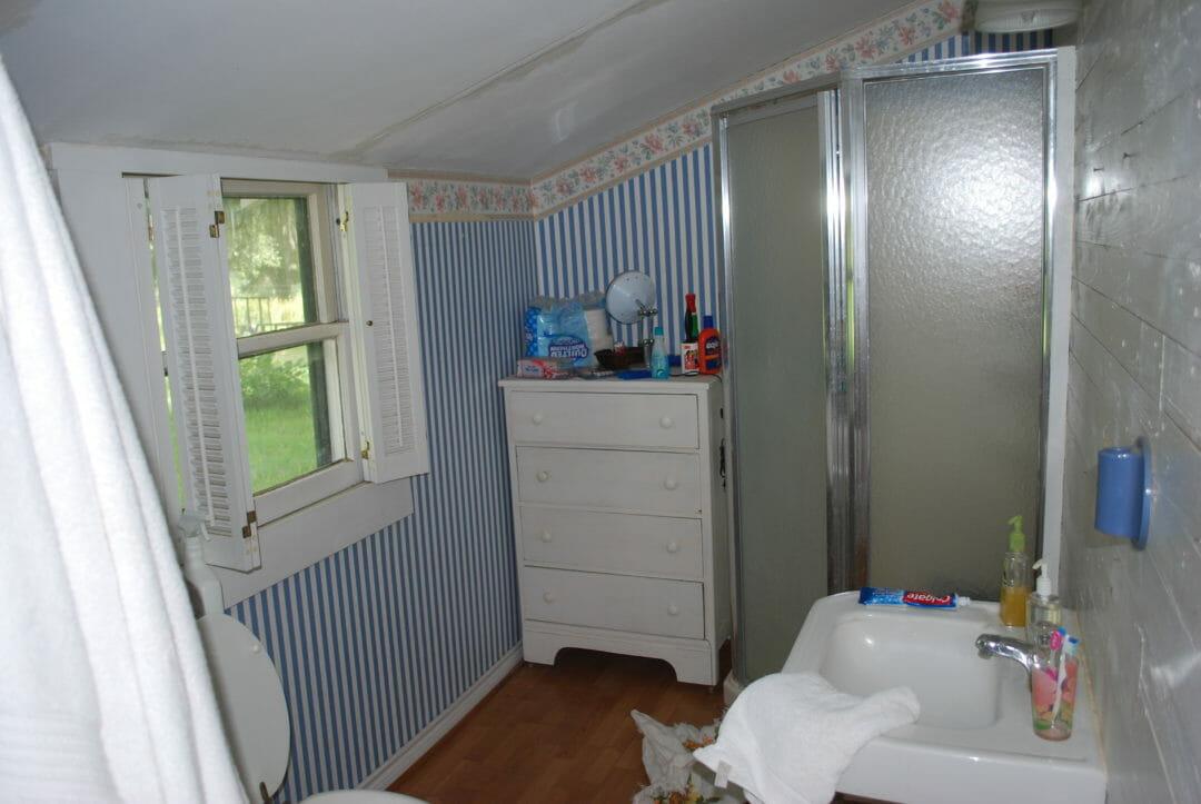A Farmhouse Bathroom With Budget Ideas County Road 407