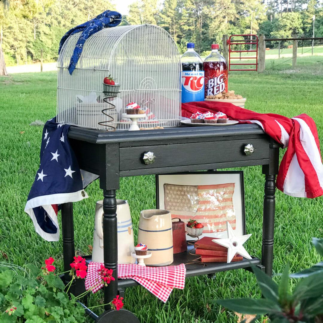 a patriotic snack cart by countyroad407.com